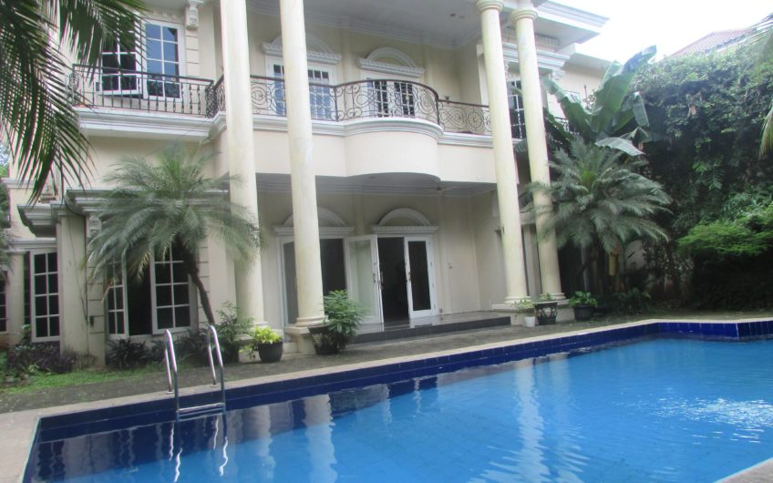 Luxury and Big Stand Alone House at Kemang – KMG178